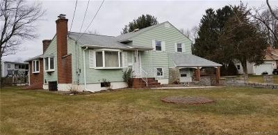 Rocky Hill Single Family Home For Sale: 8 Tumblebrook Road