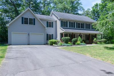 New Haven County Single Family Home For Sale: 235 Moss Farms Road