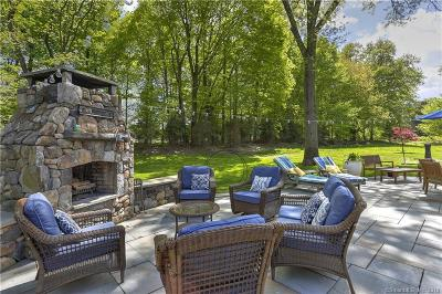 Fairfield Single Family Home For Sale: 137 Towne House Road