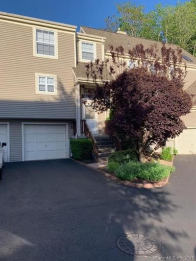 Norwalk Condo/Townhouse For Sale: 703 Foxboro Drive #703