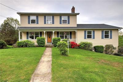 Naugatuck Single Family Home For Sale: 18 Applewood Lane