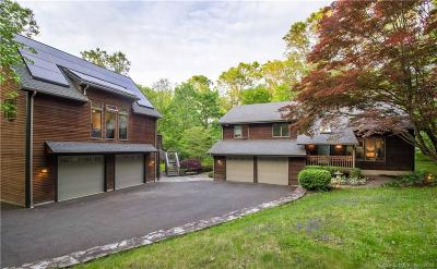 Brookfield Single Family Home For Sale: 20 Obtuse Rocks Road