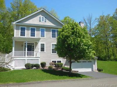 Southbury Single Family Home For Sale: 25 Minuteman Circle