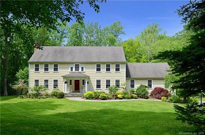Ridgefield Single Family Home For Sale: 135 Peaceable Hill Road