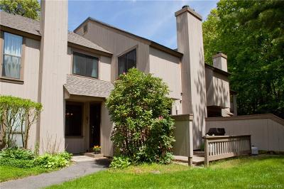Avon CT Condo/Townhouse For Sale: $189,900