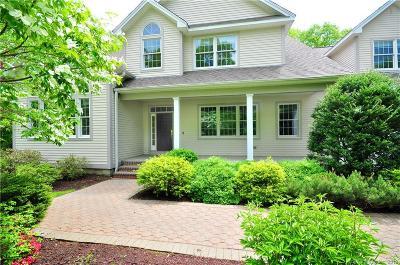Farmington Single Family Home For Sale: 16 Portage Crossing