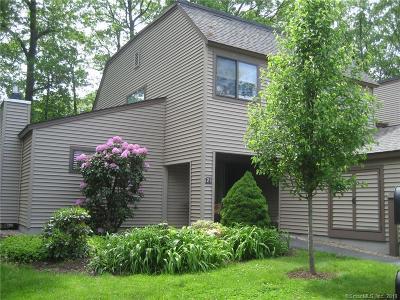 Avon CT Condo/Townhouse For Sale: $264,900