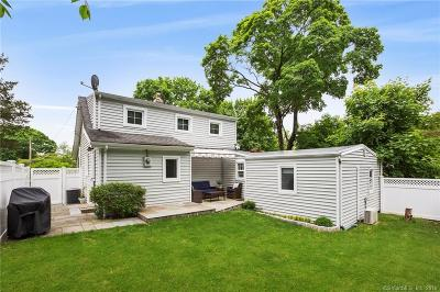 Darien Single Family Home For Sale: 16 Jackson Place