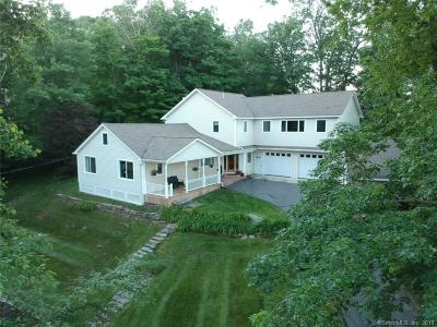 Middletown Single Family Home For Sale: 896 Bear Hill Road