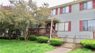 New Britain Condo/Townhouse For Sale: 151 Newington Avenue #b9