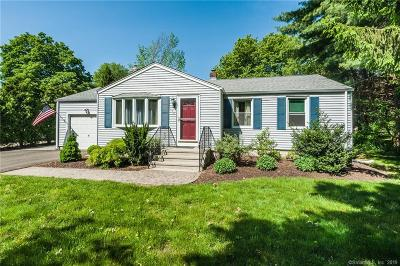 Guilford Single Family Home For Sale: 174 Nut Plains Road