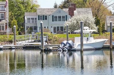 Stamford Single Family Home For Sale: 51 Dolphin Cove Quay