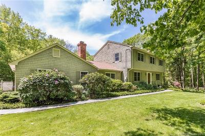Ridgefield Single Family Home For Sale: 152 Minuteman Road