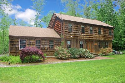 Southbury Single Family Home For Sale: 854 Bullet Hill Road
