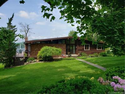 Brookfield Single Family Home For Sale: 96 Kellogg Street