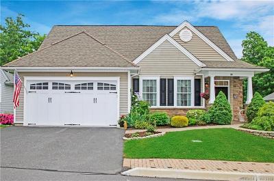 Beacon Falls Single Family Home For Sale: 30 Fieldstone Lane #30