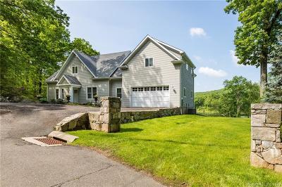 Ridgefield Single Family Home For Sale: 485 Bennetts Farm Road