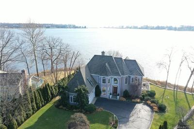 Darien Single Family Home For Sale: 19 Weeds Landing