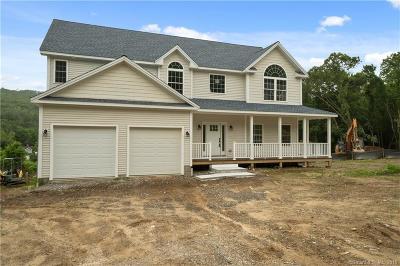 Beacon Falls Single Family Home For Sale: 39 Bonna Street