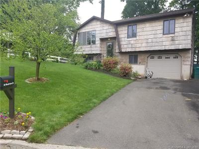 Danbury Single Family Home For Sale: 30 Westview Drive
