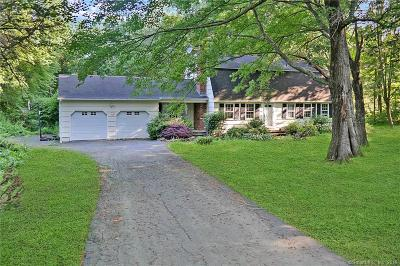 Newtown Single Family Home For Sale: 2 Bridle Path Trail