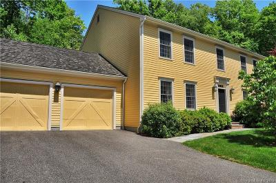 Woodbury CT Single Family Home For Sale: $429,000