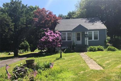 Trumbull Single Family Home For Sale: 7 Beardsley Parkway
