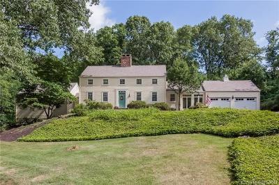 Farmington Single Family Home For Sale: 11 Vine Hill Road