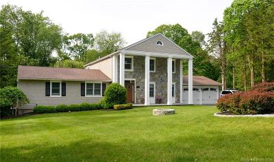 Trumbull Single Family Home For Sale: 74 Fresh Meadow Drive