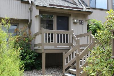 Farmington Condo/Townhouse For Sale: 18 Great Meadow Lane #18
