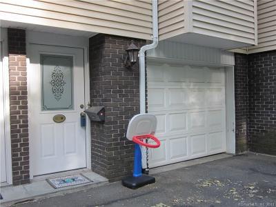 Bethel Condo/Townhouse For Sale: 87 Chestnut Street #D