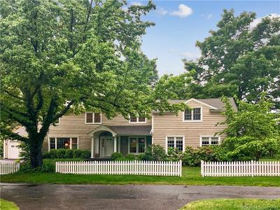 Darien Single Family Home For Sale: 19 Middlesex Road