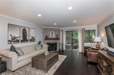 Stamford Condo/Townhouse For Sale: 2539 Bedford Street #38S
