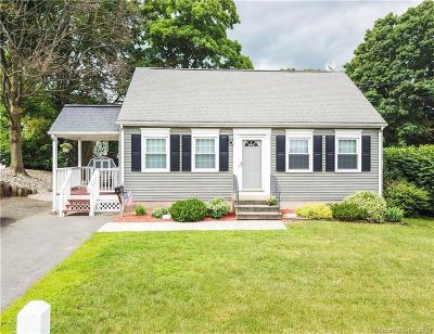 Southington Single Family Home For Sale: 43 Surrey Lane