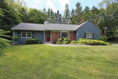 Ridgefield Single Family Home For Sale: 21 Cobblers Lane