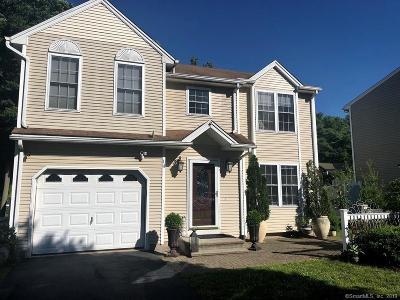 Newington Single Family Home For Sale: 14 Hopkins Drive