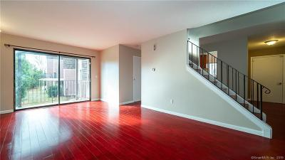 Branford Condo/Townhouse For Sale: 6 Stonegate #B