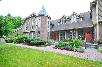 Simsbury Condo/Townhouse For Sale: 51 Brettonwood Drive #51