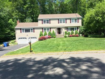 Trumbull Single Family Home For Sale: 67 Rolling Wood Drive