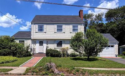 Hamden Single Family Home For Sale: 195 Carmalt Road