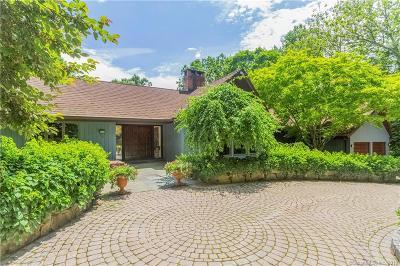 Weston Single Family Home For Sale: 16 Crystal Lake Drive