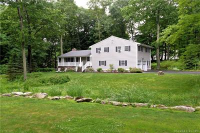 Ridgefield Single Family Home For Sale: 338 Barrack Hill Road