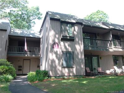 Southington Condo/Townhouse For Sale: 8 Deepwood Drive #8