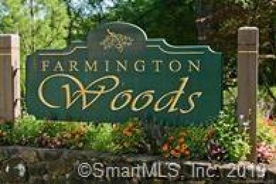 Farmington Condo/Townhouse For Sale: 49 Mallard Drive #49