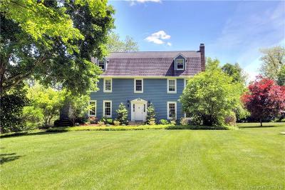 Ridgefield Single Family Home For Sale: 11 Farrar Lane