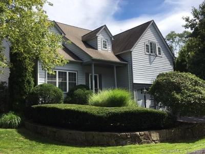 Norwalk Single Family Home For Sale: 15 New Canaan Way