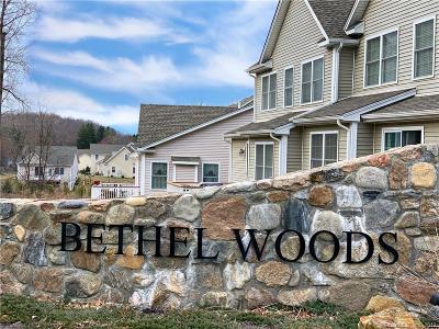 Bethel Condo/Townhouse For Sale: 2 Forest Way #19