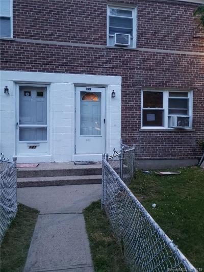Bridgeport Condo/Townhouse For Sale: 139 Court D, Buiding 35 #139