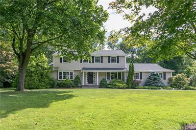 Trumbull Single Family Home For Sale: 22 Chatham Drive