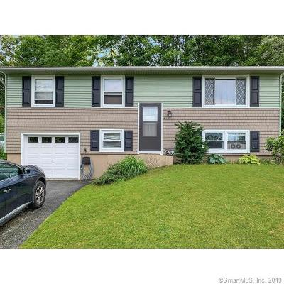 Ledyard Single Family Home For Sale: 4 Country Club Drive